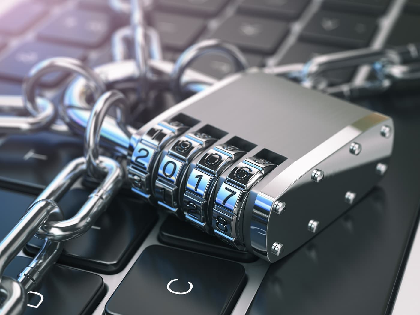 Imagen conceptual de candado y cadenas para auditoría de protección de datos