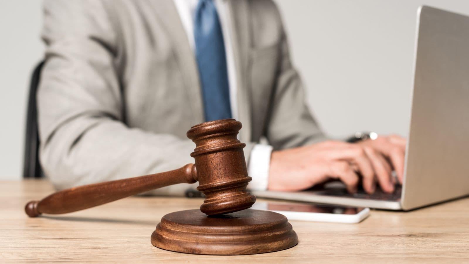 Denunciar un delito contra la propiedad industrial